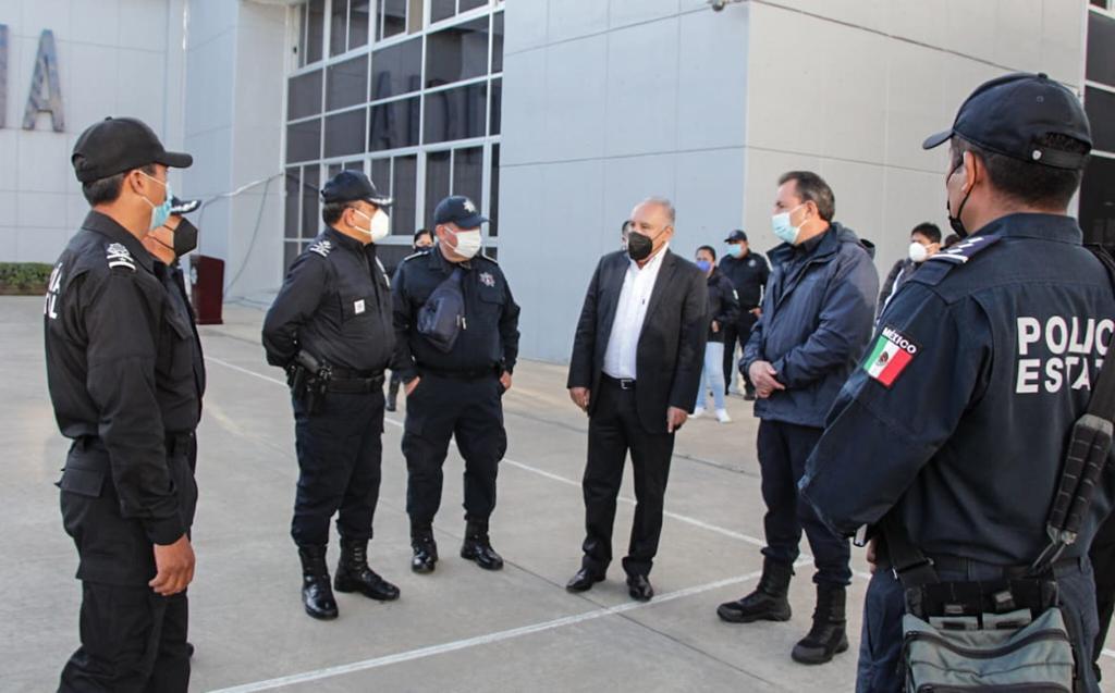 Entrega Seguridad Pública de Oaxaca un bono a policías estatales, en reconocimiento a su labor