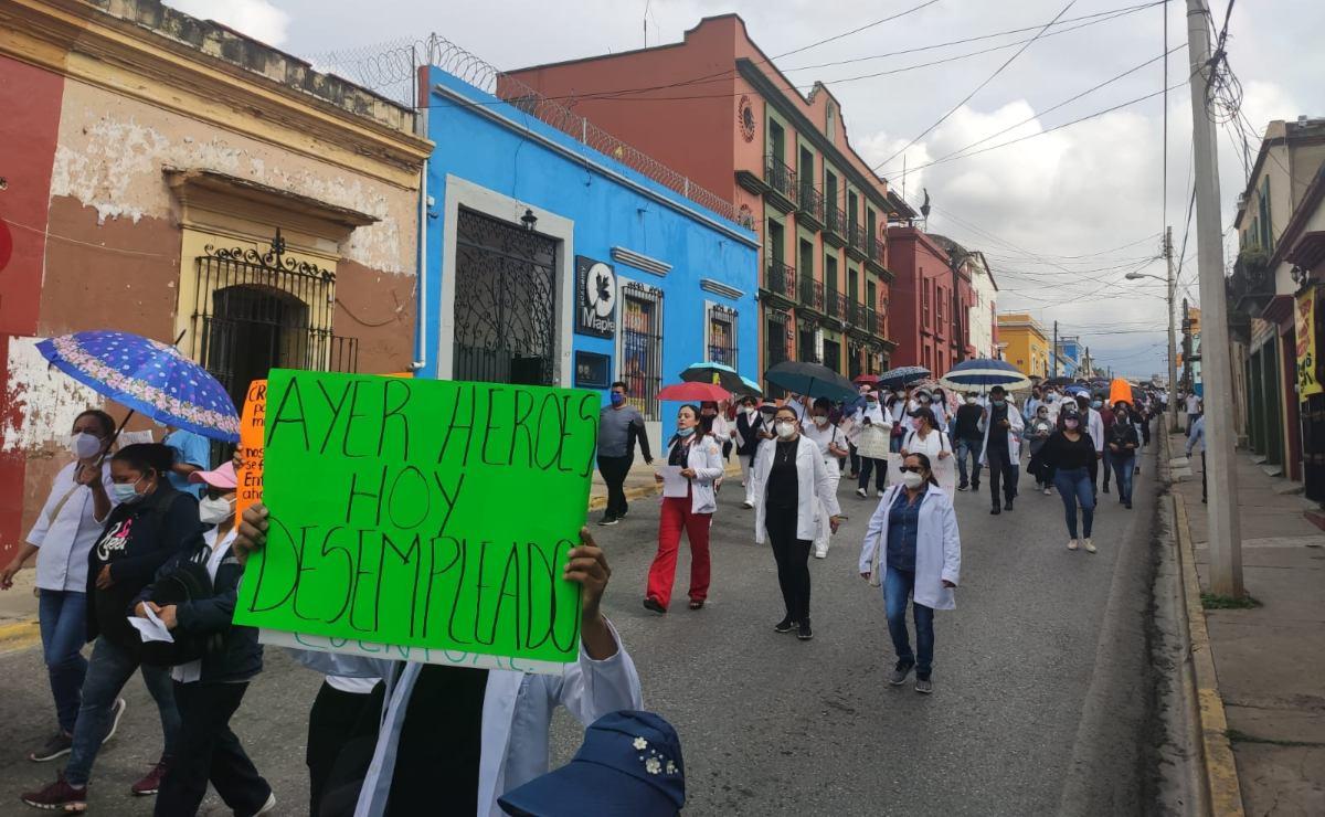 Despido de 2 mil trabajadores de Salud en Oaxaca deja en 'abandono' a menores y pacientes, dice Sección 22