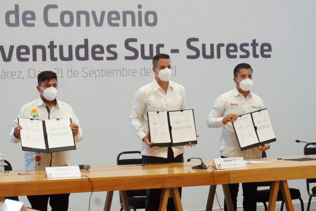 """""""Esta generación tiene la obligación de transformar a México"""", asegura Murat en firma de Pacto por la Juventudes"""