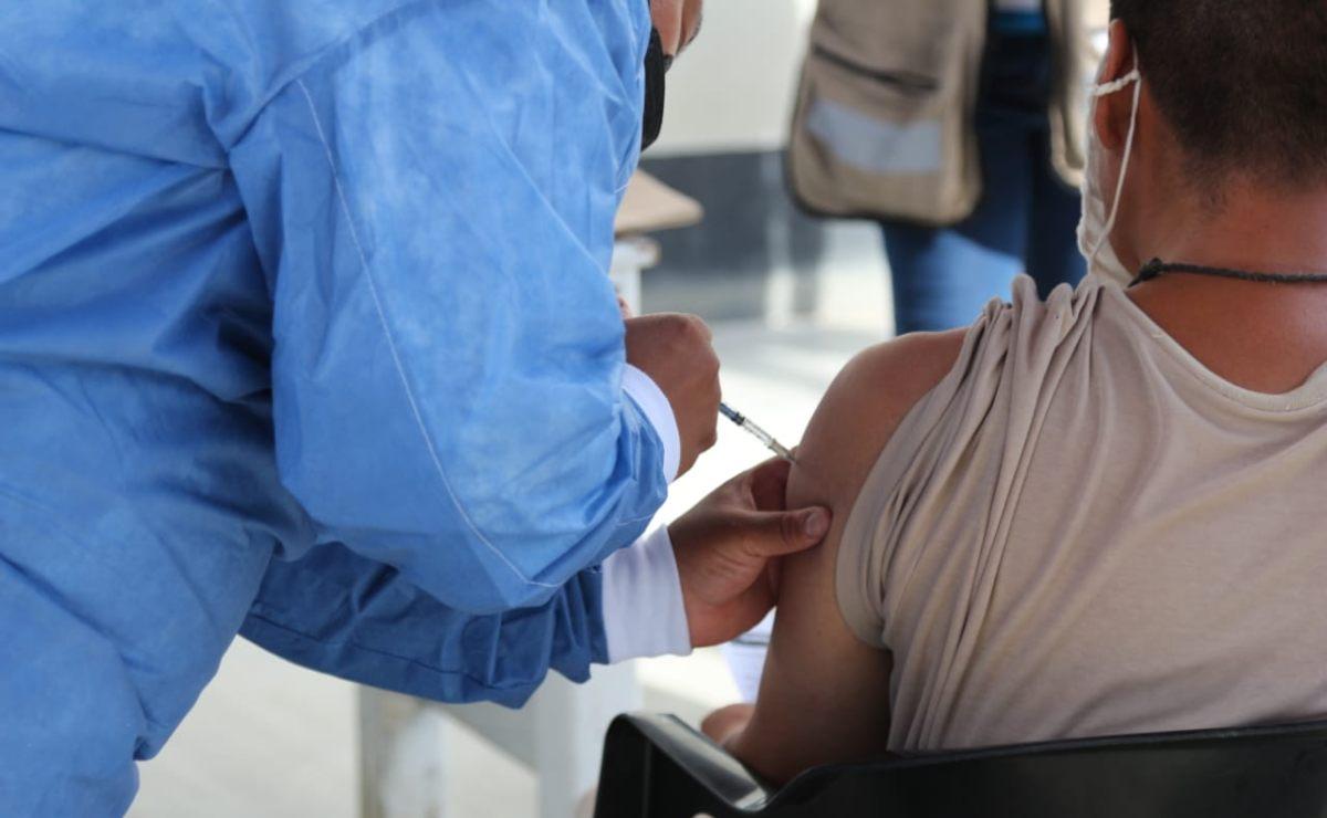Vacunan a 81% de personas privadas de libertad en Oaxaca; 788 rechazaron la dosis