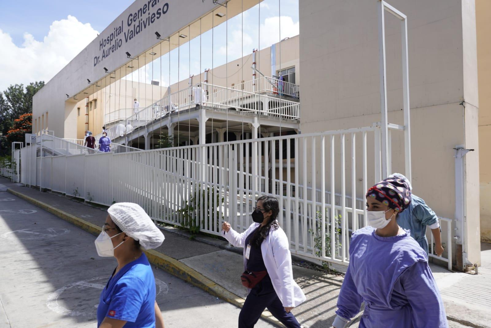 Reportan mil 323 casos activos de Covid-19 en Oaxaca en últimas 24 horas; 11 hospitales continúan saturados