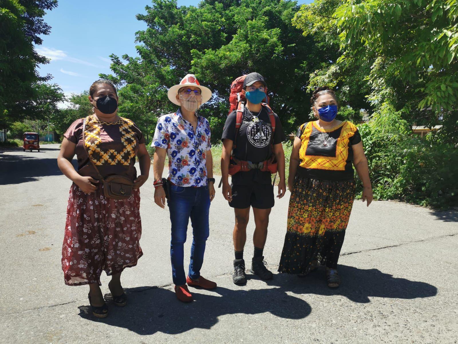 Llega a Oaxaca exbailarín que recorre las 7 maravillas del mundo para recaudar fondos para VIH