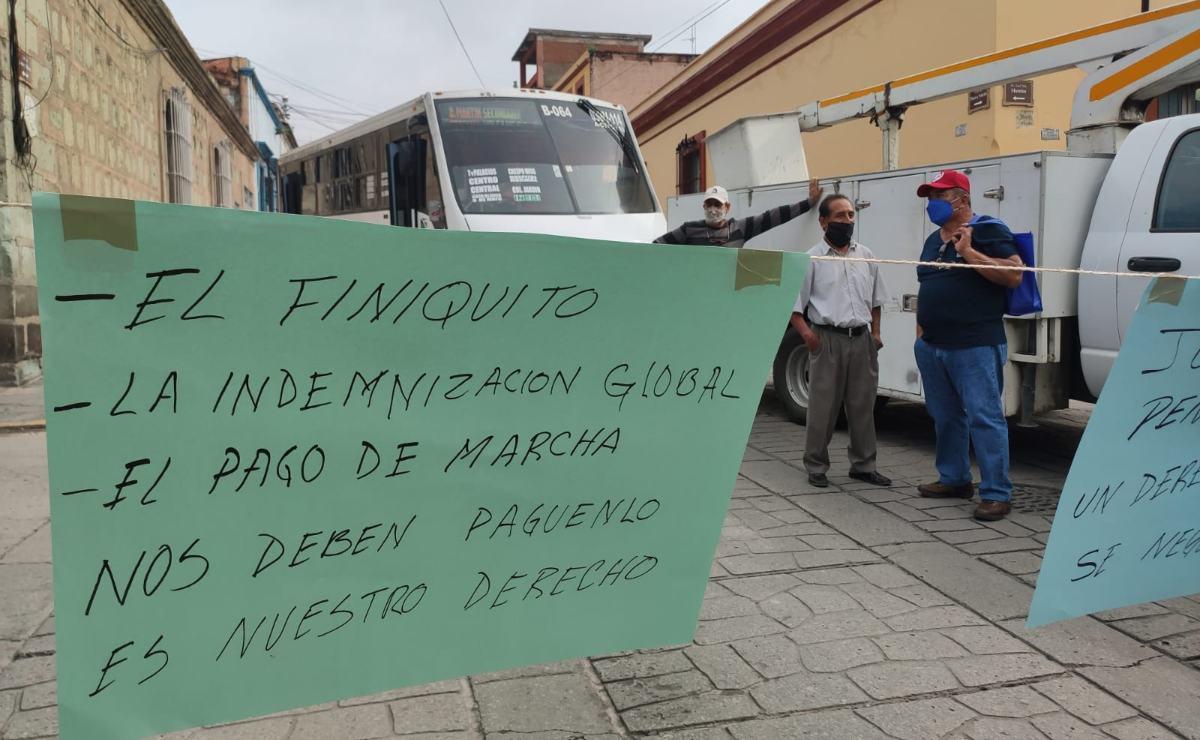 Exigen trabajadores de Dirección de Pensiones pago de 10 mdp que adeuda el municipio de Oaxaca