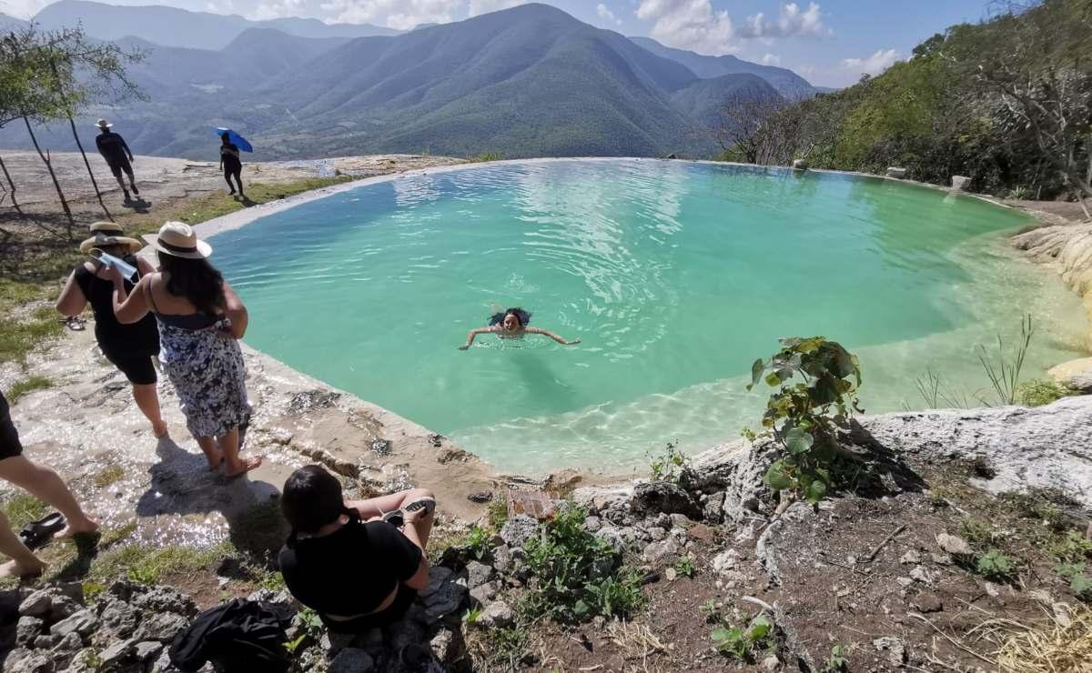 Reabren cascadas de Hierve el Agua a turistas, pese a oposición de comuneros y anuncio de Segego