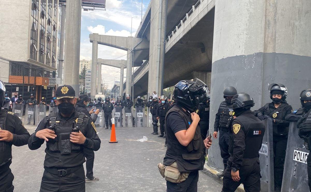 Repliega policía de CDMX a desplazados triquis que protestaban pacíficamente frente a CNDH