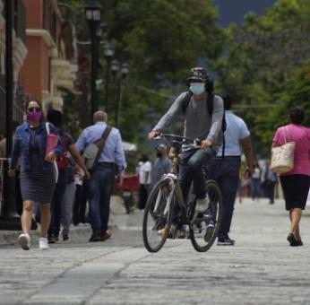 Suma Oaxaca 386 casos y 22 decesos por Covid-19 en las últimas 24 horas; hospitales al 58%