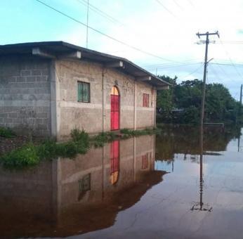 A más de 72 horas de inundaciones en Oaxaca, no ha llegado ayuda de gobierno, denuncia San Mateo del Mar