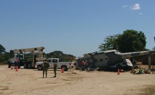 Así salieron Navarrete y Murat de helicóptero desplomado