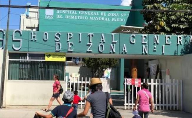 Exige justicia por muerte de su hijo en hospital del IMSS-Oaxaca