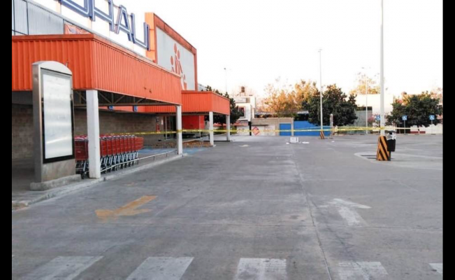 En plena cuarentena, encapuchados roban tienda Chedraui en Xococotlán