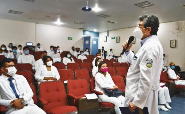 Requisitos para pasantes de Medicina son medidas extraordinarias federales ante pandemia: UABJO