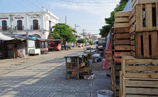 Vive Juchitán primer día de parálisis por crisis de Covid-19: hay negocios cerrados y calles vacías
