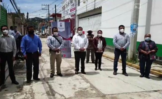 Autoridades auxiliares de Tlaxiaco exigen  transparentar nómina y bajar sueldo a regidores
