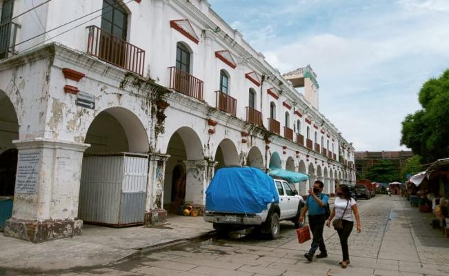 Portal de los Símbolos Patrios, pese a 100 años de historia, vive orfandad tras el terremoto