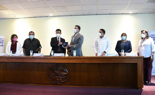 Destaca fiscal de Oaxaca resolución a 95% carpetas de investigación en su tercer informe ante Congreso