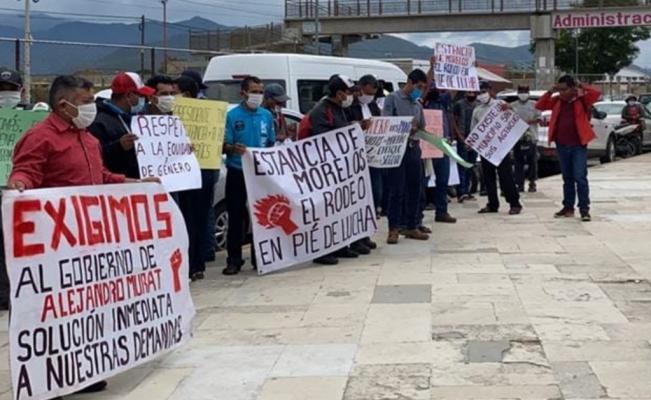 Exigen a edil de Santiago Atitlán entrega de recursos federales; denuncian violencia política contra regidoras