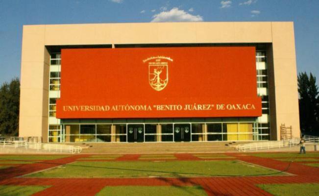 Propone rector de la UABJO reasignación presupuestal para poder pagar salarios y aguinaldos