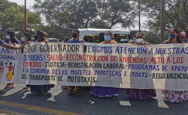 Mujeres del Istmo de Tehuantepec se manifiestan en Juchitán; exigen cese de violencia de género
