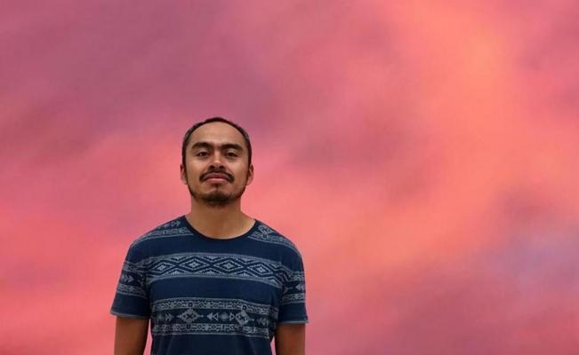 Con pulpos y tinacos, artista oaxaqueño explora la violencia de la urbanización en pueblos indígenas