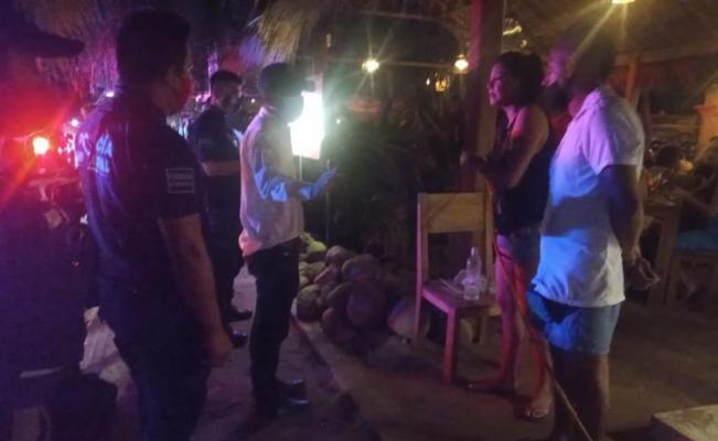 Pese a pandemia, siguen fiestas en Puerto Escondido; se realizan hasta en ubicaciones secretas