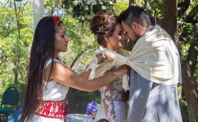 Te quedaste sin boda por el Covid? Oaxaca Ancestral y Badabun buscan pareja  para ceremonia zapoteca   Oaxaca