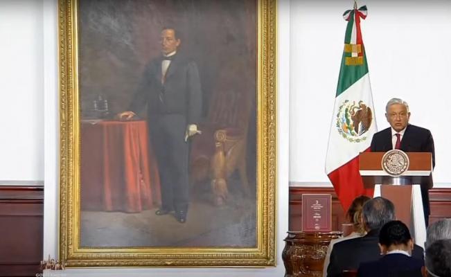 """En Informe, AMLO presume récord en remesas y reservas; """"tengan para que aprendan"""", dice  a tecnócratas"""
