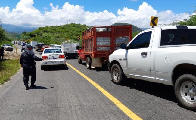Comuneros de Tequisistlán, en el Istmo de Oaxaca, bloquean carretera 190 por conflicto agrario