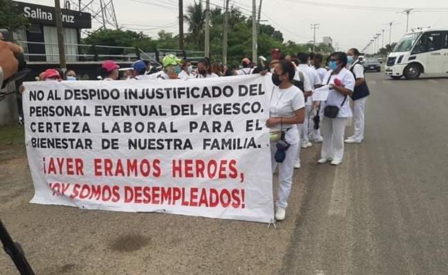 Protestan en el Istmo de Oaxaca por despidos de más de 2 mil trabajadores de la salud en plena crisis sanitaria