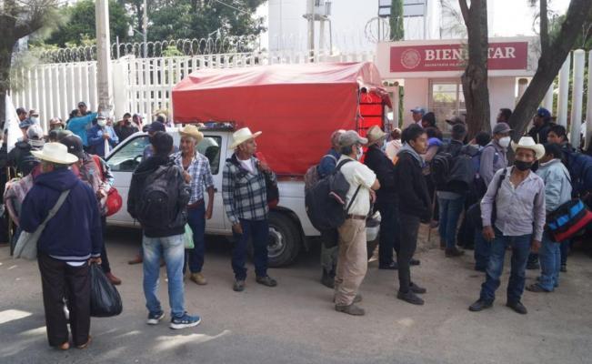 Codeci acusa irregularidades en entrega de apoyos federales en Oaxaca; bloquea oficinas de Bienestar