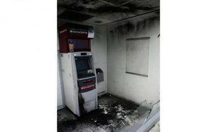 Detona explosivo en cajero de institución bancaria en Oaxaca