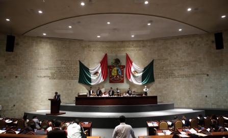 """Gabino Cué en carácter de """"no localizable"""" para continuar con juicio político"""