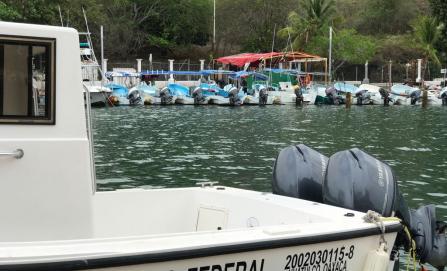 Reportan embarcación extraviada en la Costa de Oaxaca