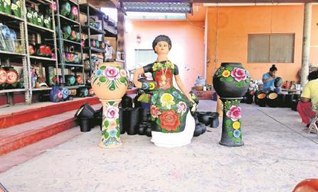 Se recuperan artesanos alfareros en el Istmo