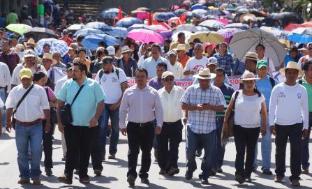 """""""Si AMLO no nos cumple, regresamos a las calles"""": Sección 22"""