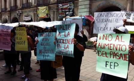 Convocan a manifestarse contra alza a la tarifa del transporte público