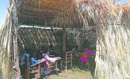 A 11 meses del sismo, 100 mil estudiantes siguen sin aulas en Oaxaca