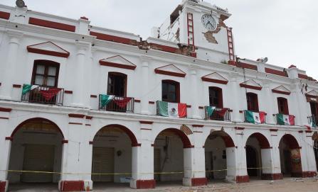 En Juchitán, piden a AMLO y Congresos auditoría a presidenta municipal