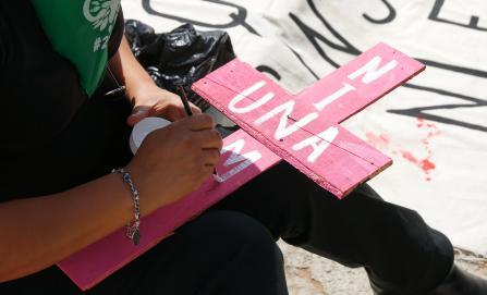 """Familiares de mujeres asesinadas y víctimas de violencia de género """"clausurarán"""" dependencias estatales"""