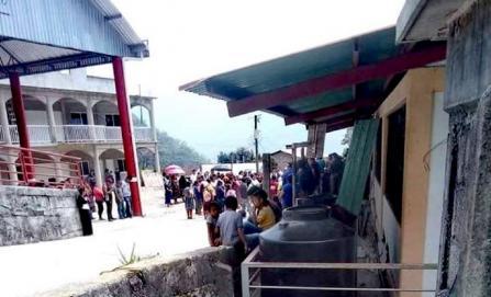 Pobladores de Tlacoatzintepec impiden clases en primaria