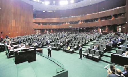 Diputados dan primera lectura a la reforma educativa; alistan su aprobación