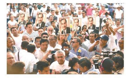 Familia beisbolera de Minatitlán llora a sus hijos tras masacre