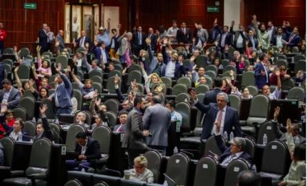 Diputados avalan la reforma educativa; pasa al Senado