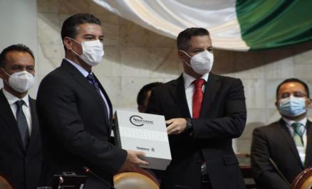 Destaca Murat apoyo federal en entrega de su Cuarto Informe de Gobierno al Congreso