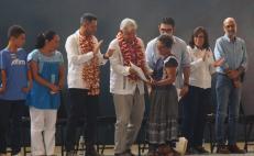 AMLO y el gobernador de Oaxaca en su reciente visita a Juchitán