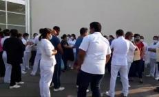 Protesta personal del hospital de Tuxtepec por falta de equipo de protección