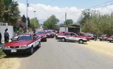Taxistas foráneos bloquean accesos a San Pedro Ixtlahuaca en protesta por restricciones de Semovi por Covid-19