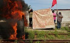Protestan en tres puntos contra el Tren Transístmico; no hay paso a Chiapas