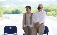 Secretario de Estado y pasajero desobediente en Puerto Escondido