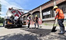 Abandera Murat trabajos sobre más de 11 kilómetros de carreteras en municipios de Valles Centrales