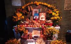 Este es el altar de Día de Muertos del pueblo chontal, en la Sierra Sur; buscan preservar su identidad